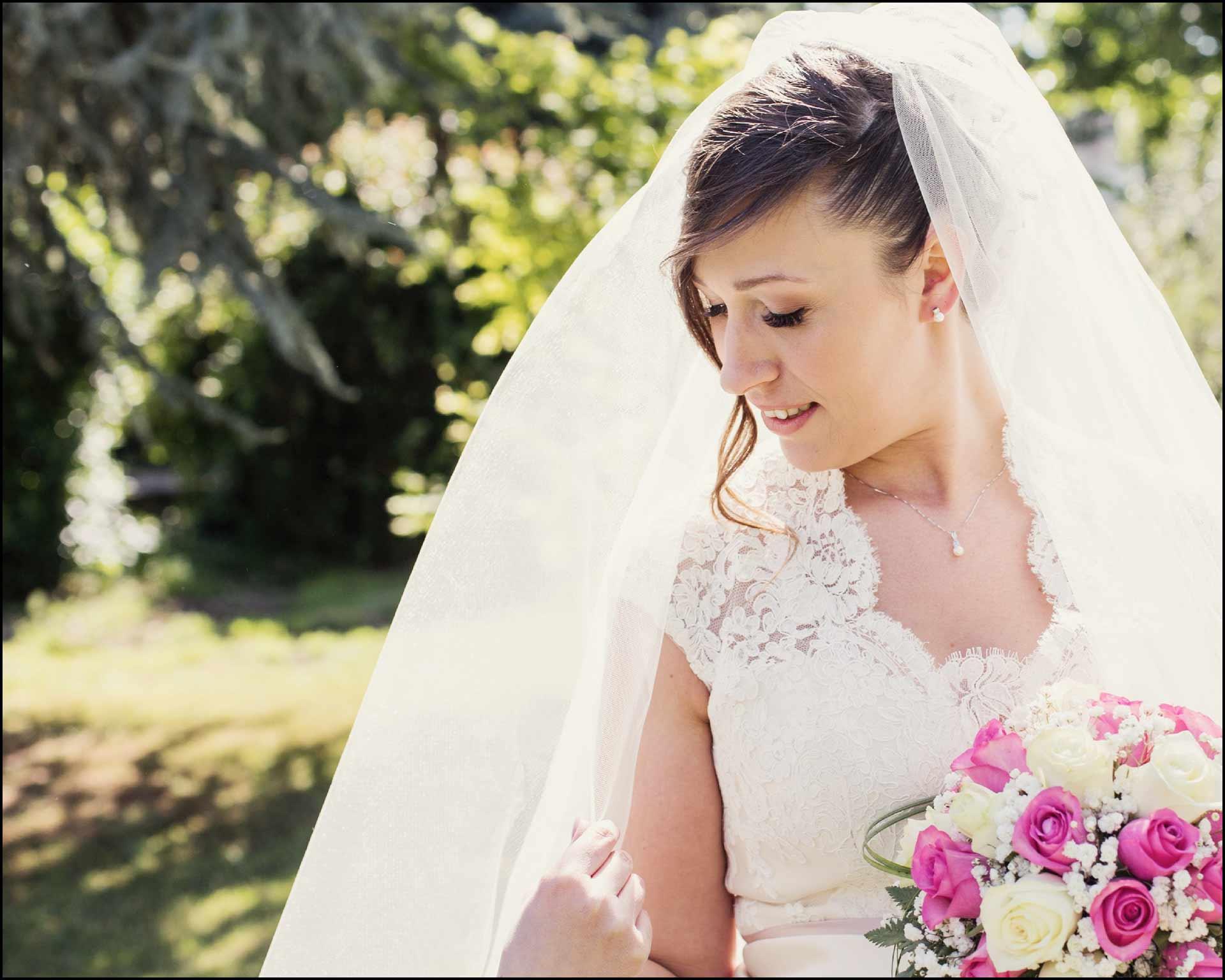 Foto di Elisa, la sposa e il suo vestito